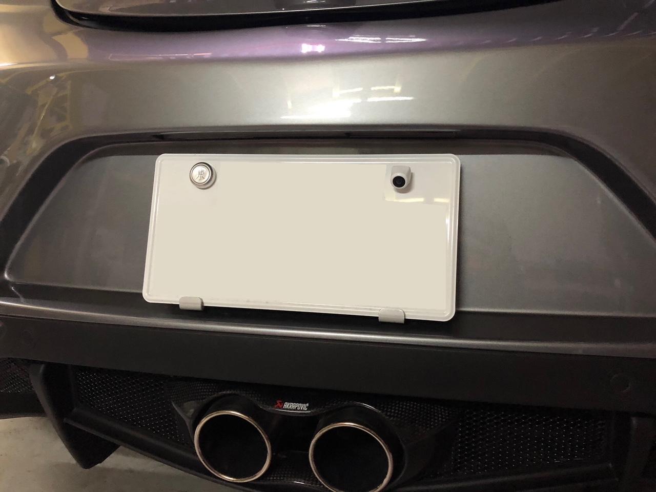 アルファロメオ 4C 常時点灯ルームミラーモニターお取付でクリアな後方視界に! (2)