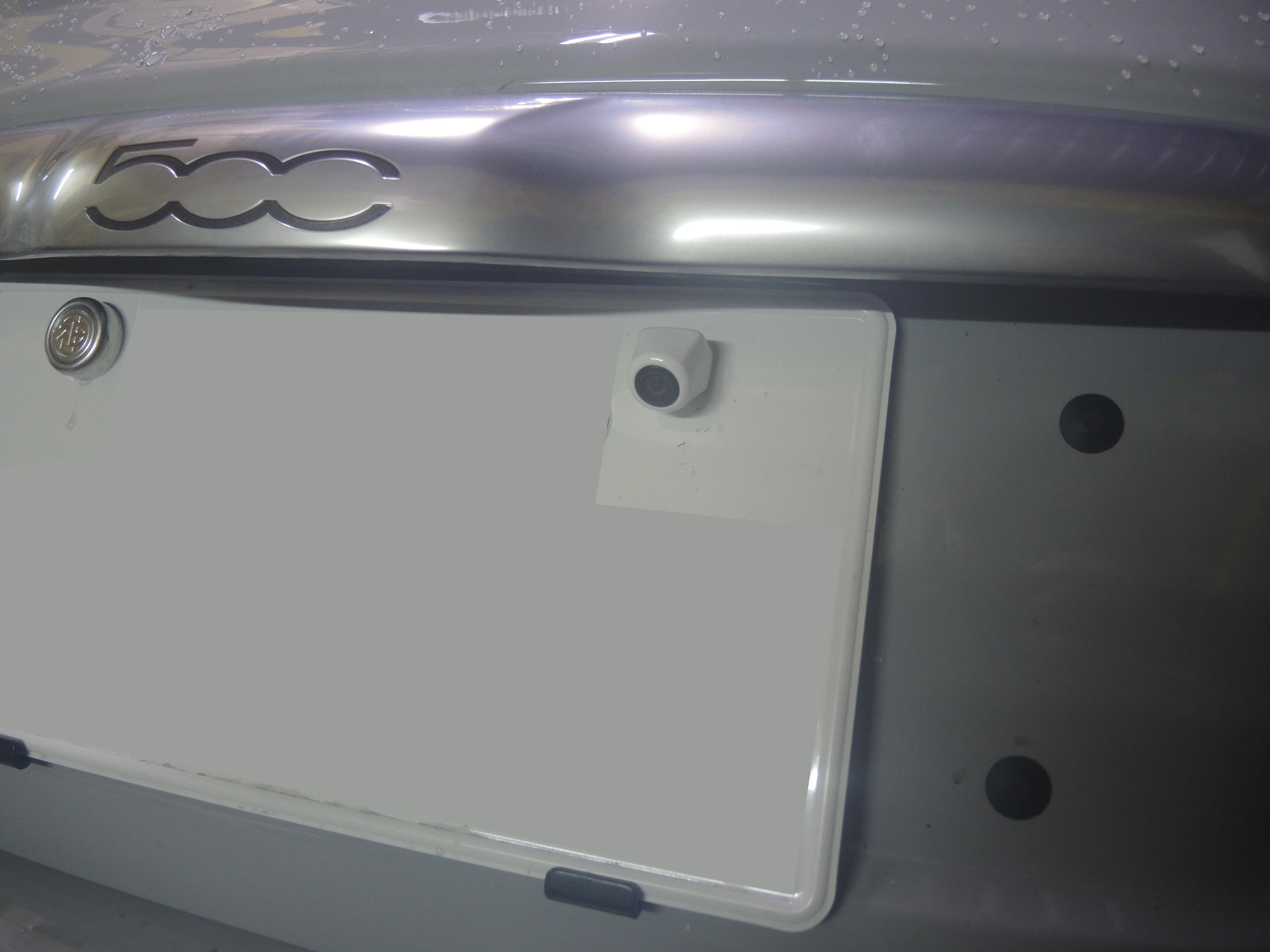 アバルト595へTEZZO バックスパイカメラ for アバルト595をお取付け! (1)