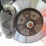 アバルト500 フロントブレーキパッド交換
