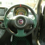 FIAT500にキレイでオシャレなステアリングを装着 握り心地抜群!