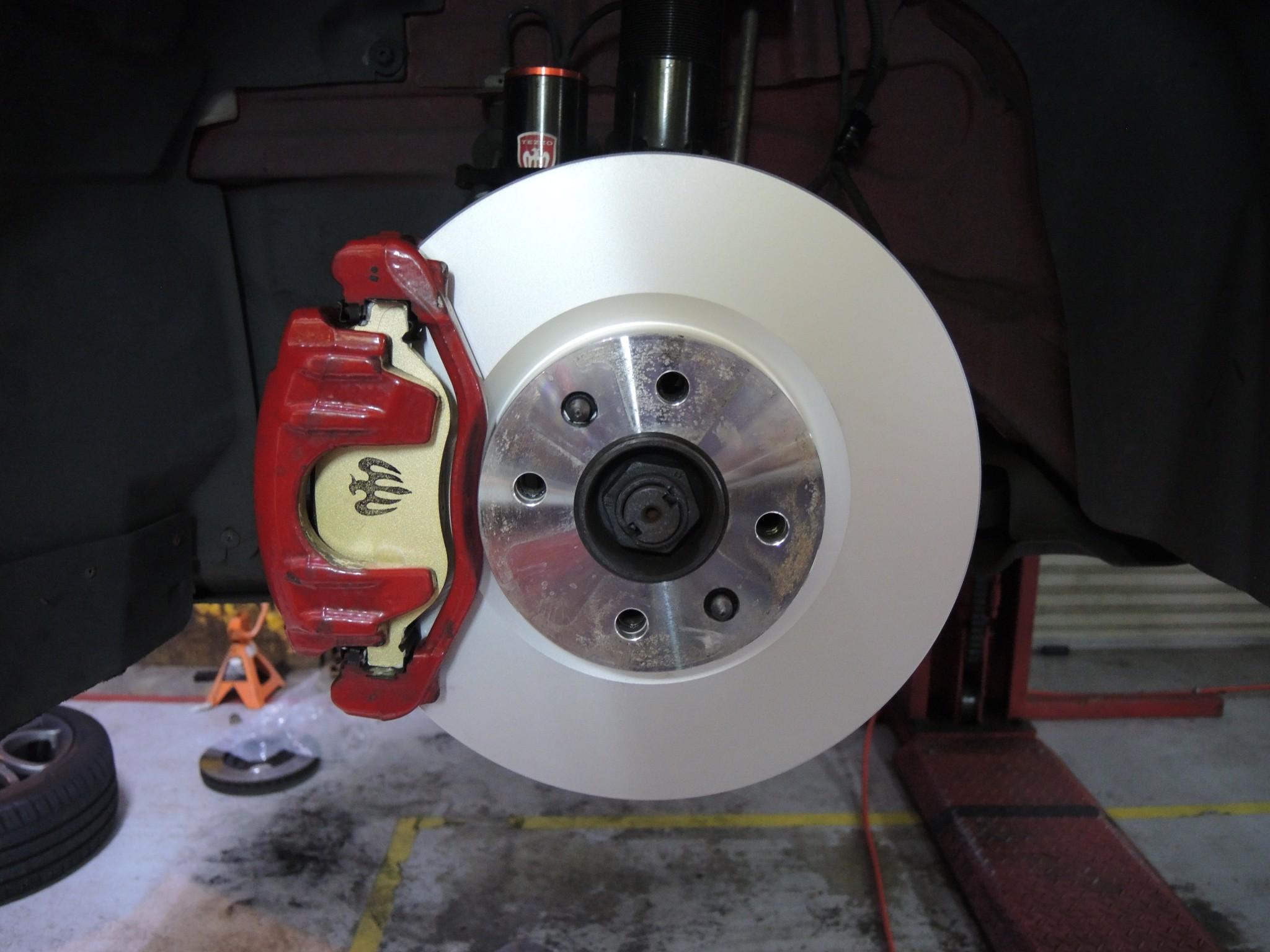 アルファロメオ ミト ブレーキディスクローター交換 (2)